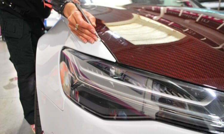 Would you like to learn professional Car Wrapping? Try attending to a course!