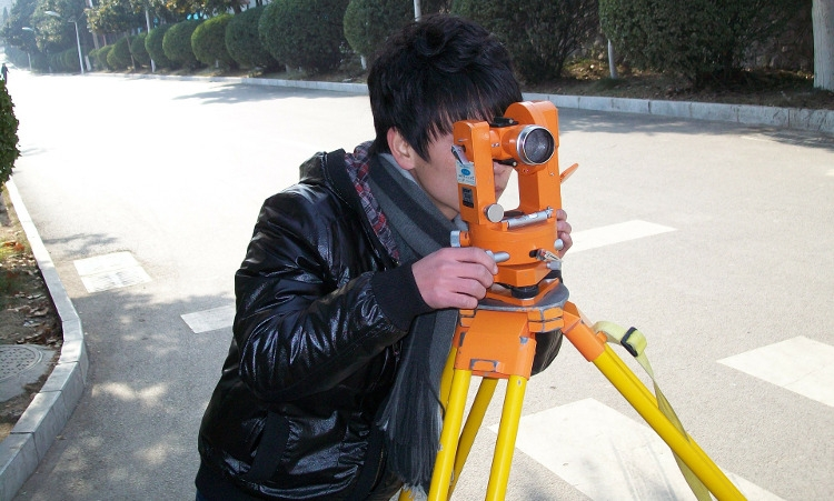 Tips for finding the best land surveyors